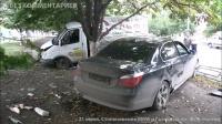 В Заводском БМВ и ГАЗель сбили троих пешеходов